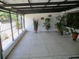 Casa En Ventaen Guatire, La Rosa, Venezuela, VE RAH: 20-16150