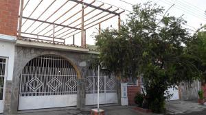 Casa En Ventaen Municipio San Diego, La Esmeralda, Venezuela, VE RAH: 20-16134