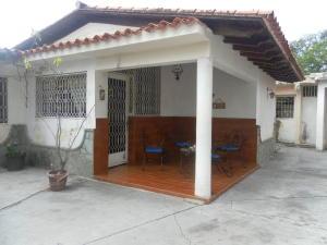 Casa En Ventaen Santa Teresa, Las Flores, Venezuela, VE RAH: 20-16180