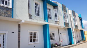 Townhouse En Ventaen Cabimas, Casco Central, Venezuela, VE RAH: 20-16188