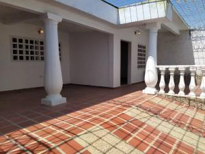 Casa En Ventaen Maracay, San Carlos, Venezuela, VE RAH: 20-16229