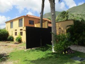 Casa En Ventaen Margarita, Guacuco, Venezuela, VE RAH: 20-16258