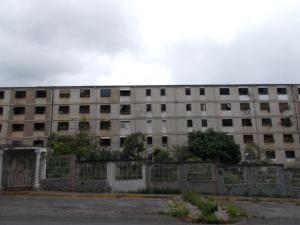 Apartamento En Ventaen Caracas, Caricuao, Venezuela, VE RAH: 20-16446