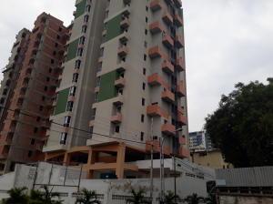 Apartamento En Ventaen Maracay, Zona Centro, Venezuela, VE RAH: 20-16453