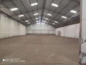 Galpon - Deposito En Alquileren Municipio San Francisco, Zona Industrial, Venezuela, VE RAH: 20-16463