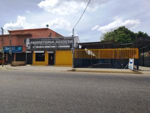Local Comercial En Ventaen Cabimas, Carretera H, Venezuela, VE RAH: 20-16472