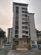 Apartamento En Ventaen Caracas, Colinas De Los Chaguaramos, Venezuela, VE RAH: 20-16628