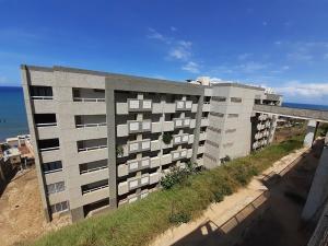 Apartamento En Ventaen Catia La Mar, Playa Grande, Venezuela, VE RAH: 20-16895