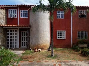 Townhouse En Ventaen Margarita, Paraguachi, Venezuela, VE RAH: 20-16954