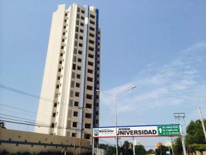 Apartamento En Ventaen Maracaibo, Avenida Universidad, Venezuela, VE RAH: 20-16101