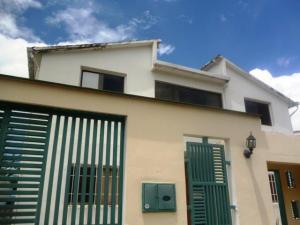 Casa En Ventaen Charallave, Charallave Country, Venezuela, VE RAH: 20-17014