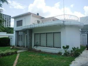 Casa En Ventaen Caracas, Los Palos Grandes, Venezuela, VE RAH: 20-17026