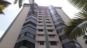 Apartamento En Ventaen Valencia, Valles De Camoruco, Venezuela, VE RAH: 20-17847