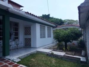 Casa En Ventaen Palo Negro, Conjunto Residencial Palo Negro, Venezuela, VE RAH: 20-17046