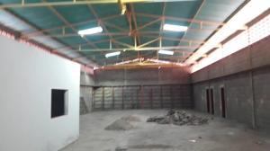 Galpon - Deposito En Ventaen Cabimas, Zulia, Venezuela, VE RAH: 20-17054