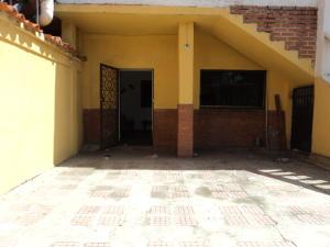 Casa En Ventaen Higuerote, Higuerote, Venezuela, VE RAH: 20-17108