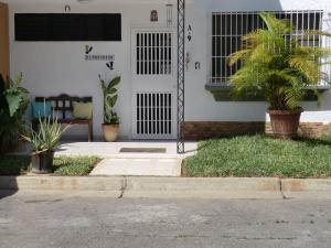 Casa En Ventaen Guatire, El Refugio, Venezuela, VE RAH: 20-17131