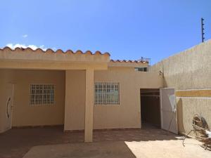 Casa En Ventaen Punto Fijo, Puerta Maraven, Venezuela, VE RAH: 20-17245
