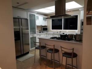 Casa En Ventaen Maracaibo, Avenida Baralt, Venezuela, VE RAH: 20-17426
