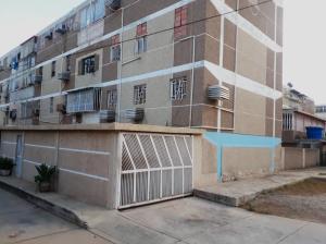 Apartamento En Ventaen Municipio San Francisco, San Francisco, Venezuela, VE RAH: 20-16926
