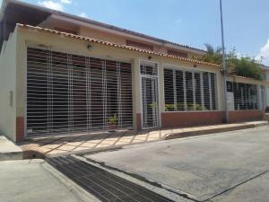 Townhouse En Ventaen Maracay, Los Girasoles, Venezuela, VE RAH: 20-17436