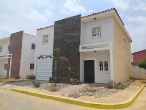 Townhouse En Ventaen Cabimas, Bello Monte, Venezuela, VE RAH: 20-17460