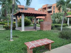Apartamento En Ventaen Lecheria, Av Diego Bautista Urbaneja, Venezuela, VE RAH: 20-17487