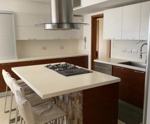 Apartamento En Alquileren Maracaibo, Tierra Negra, Venezuela, VE RAH: 20-17545