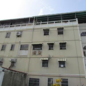 Apartamento En Ventaen Guarenas, Sector Industrial Cloris, Venezuela, VE RAH: 20-17547