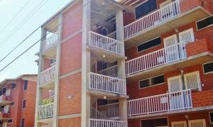 Apartamento En Ventaen Barcelona, Terrazas Del Mar, Venezuela, VE RAH: 20-17581