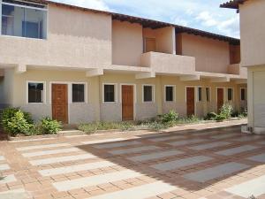 Edificio En Ventaen El Tigre, Pueblo Nuevo Sur, Venezuela, VE RAH: 20-17592