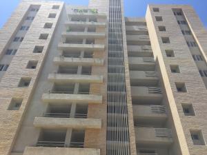 Apartamento En Ventaen Lecheria, Casco Central, Venezuela, VE RAH: 20-17645