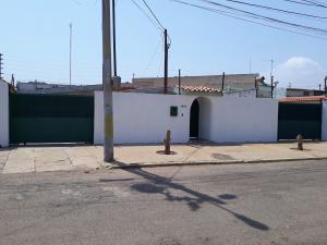 Casa En Ventaen Municipio San Francisco, La Coromoto, Venezuela, VE RAH: 20-17661