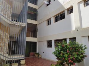 Apartamento En Ventaen Maracaibo, Altamira, Venezuela, VE RAH: 20-17673