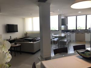 Apartamento En Alquileren Ciudad Ojeda, Calle Piar, Venezuela, VE RAH: 20-17727