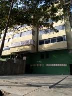 Apartamento En Ventaen Parroquia Caraballeda, Caribe, Venezuela, VE RAH: 20-17745