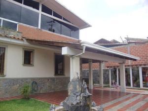Casa En Ventaen San Antonio De Los Altos, El Picacho, Venezuela, VE RAH: 20-17786