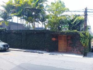 Casa En Ventaen Caracas, Los Palos Grandes, Venezuela, VE RAH: 20-17871