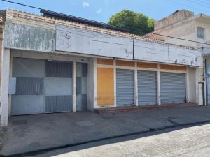 Edificio En Ventaen Carora, Municipio Torres, Venezuela, VE RAH: 20-17929