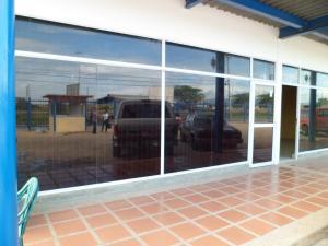 Local Comercial En Ventaen Barcelona, Zona Industrial Los Mesones, Venezuela, VE RAH: 20-17953