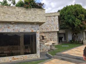 Casa En Ventaen Caracas, El Cafetal, Venezuela, VE RAH: 20-17969