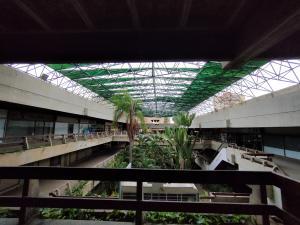 Local Comercial En Alquileren Maracaibo, Avenida Bella Vista, Venezuela, VE RAH: 20-17984