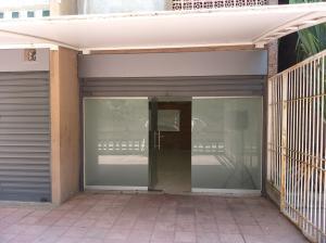 Local Comercial En Ventaen Caracas, Los Palos Grandes, Venezuela, VE RAH: 20-18002