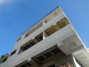 Edificio En Ventaen Caracas, El Cafetal, Venezuela, VE RAH: 20-18034