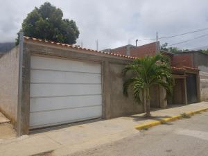 Casa En Ventaen La Guaira, Caraballeda, Venezuela, VE RAH: 20-18049