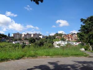 Terreno En Ventaen Caracas, Lomas De La Trinidad, Venezuela, VE RAH: 20-18047
