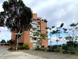 Apartamento En Ventaen Caracas, Alto Hatillo, Venezuela, VE RAH: 20-18058