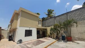 Casa En Ventaen Cabudare, Trapiche Villas, Venezuela, VE RAH: 20-18079