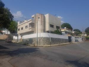 Casa En Ventaen Parroquia Caraballeda, Palmar Este, Venezuela, VE RAH: 20-18105
