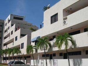 Apartamento En Ventaen Higuerote, Agua Sal, Venezuela, VE RAH: 20-18119